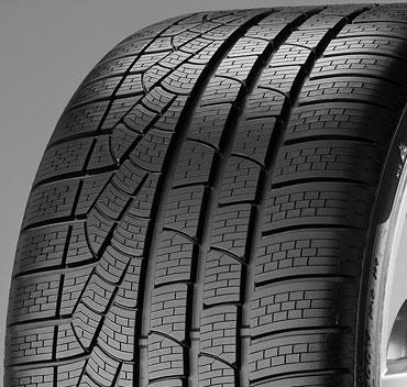 Pirelli WINTER 240 SOTTOZERO SERIE II 245/35 XL R18 92 V r-f - runflat - dojezdová technologie(e)